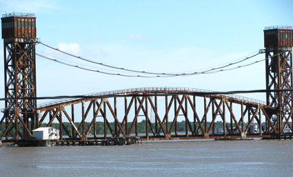 http://www.bankingexchange.com/images/stories/6211_railroadbridge.jpg