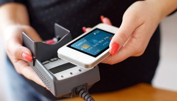 HCE to help community banks deploy mobile payments