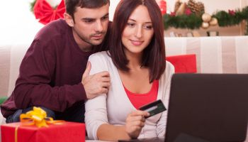 Online banking visits soaring, particularly on 4th and 18th of each month