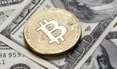 Quarles urges caution on digital currency