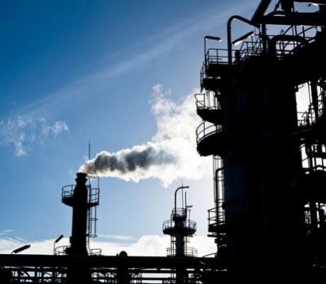 Investors, Consultants Urge Oil & Gas Companies to Improve ESG Standards
